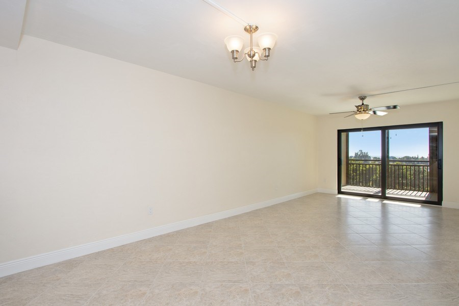 Real Estate Photography - 4263 Bay Beach Ln, #613, Fort Myers Beach, FL, 33931 - Living Room / Dining Room