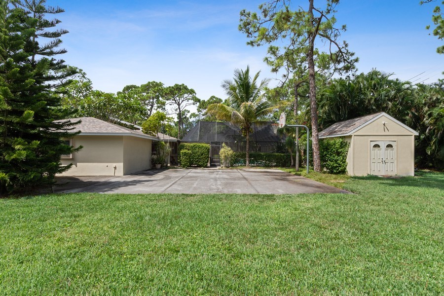 Real Estate Photography - 13502 Brynwood Lane, Ft. Myers, FL, 33912 - Side View