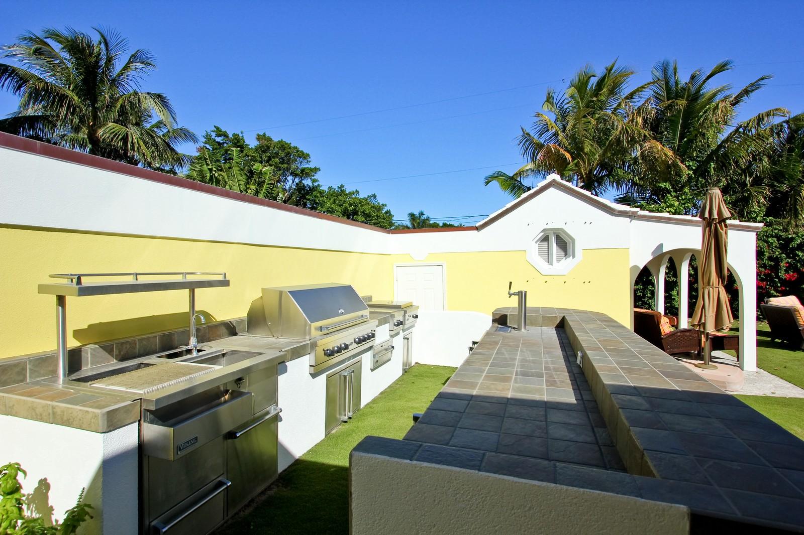 Real Estate Photography - 301 Garden Rd, Palm Beach, FL, 33480 - Location 1