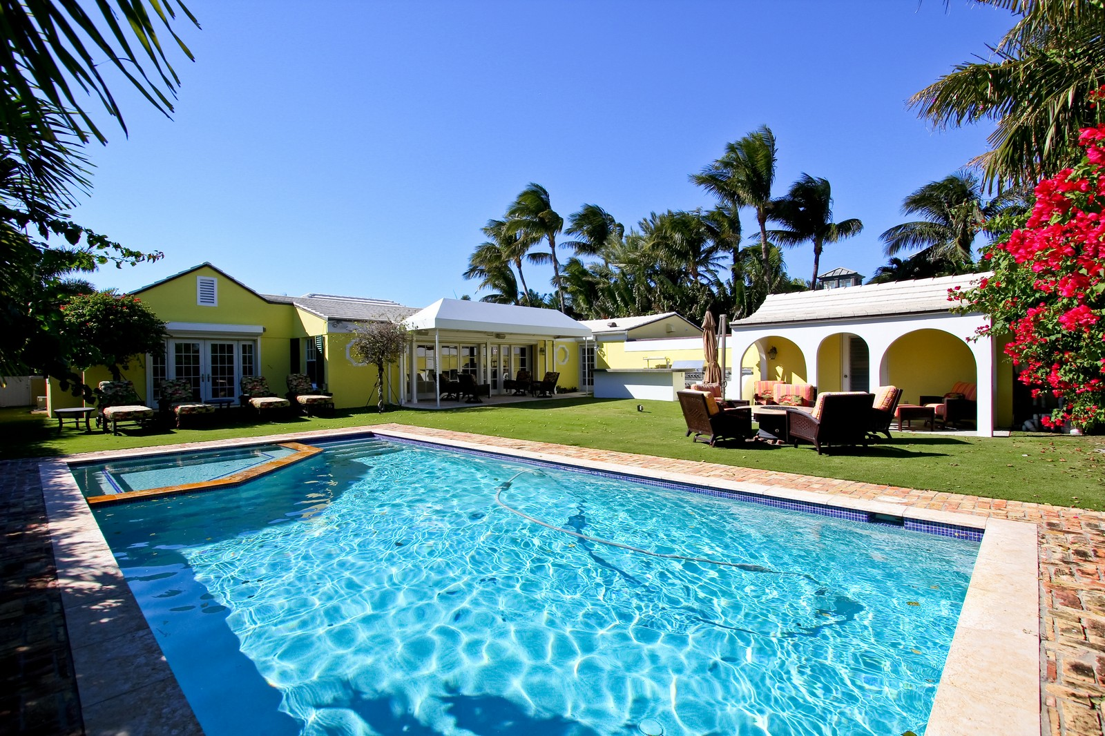 Real Estate Photography - 301 Garden Rd, Palm Beach, FL, 33480 - Pool