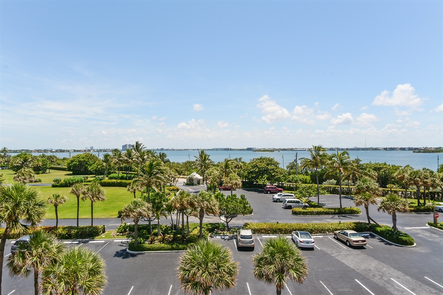 Real Estate Photography - 5540 N. Ocean Drive, 3D, Riviera Beach, FL, 33404 - Intracoastal View