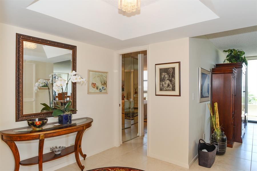 Real Estate Photography - 5540 N. Ocean Drive, 3D, Riviera Beach, FL, 33404 - Foyer