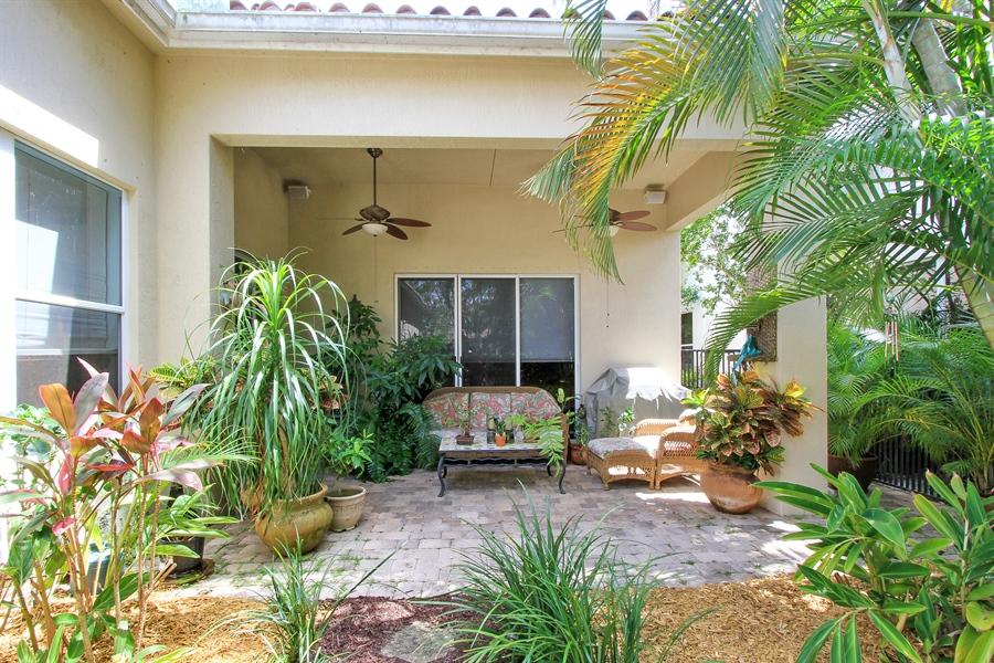 Real Estate Photography - 123 Barcelona Dr, Jupiter, FL, 33458 - Patio