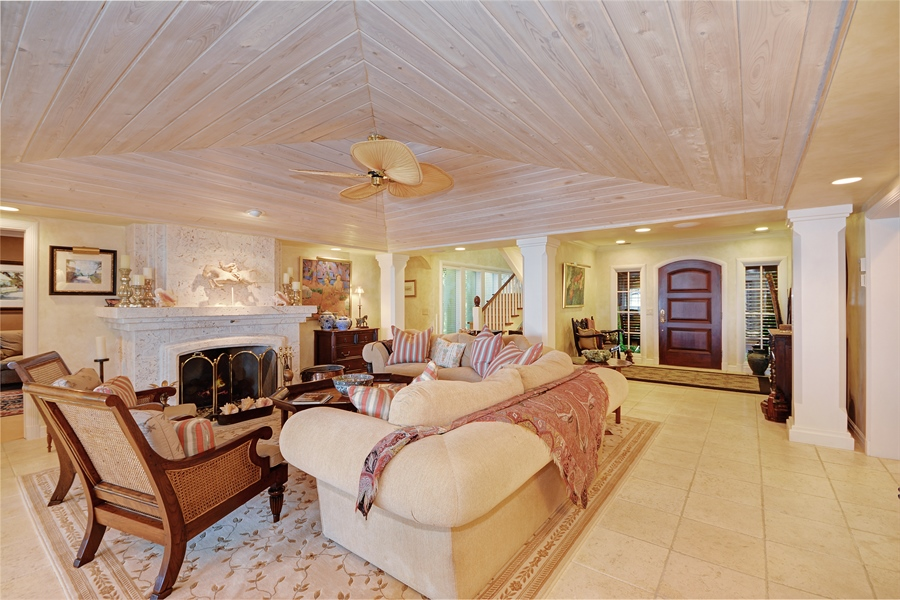Real Estate Photography - 400 Caribbean, Palm Beach, FL, 33480 - Living Room