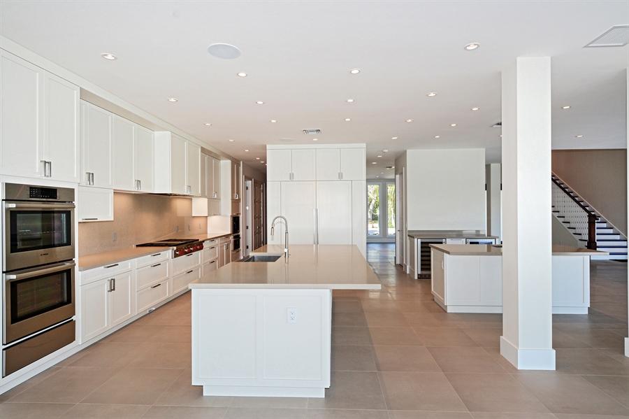 Real Estate Photography - 14490 Cypress Island Cir, Palm Beach Gardens, FL, 33410 - Kitchen