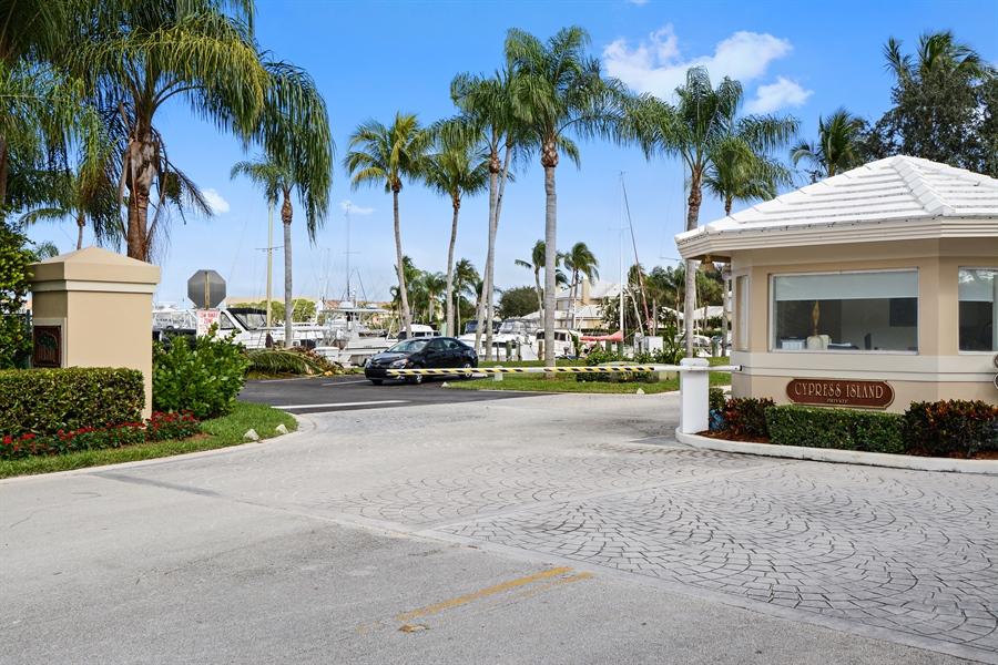 Real Estate Photography - 14490 Cypress Island Cir, Palm Beach Gardens, FL, 33410 - Entryway