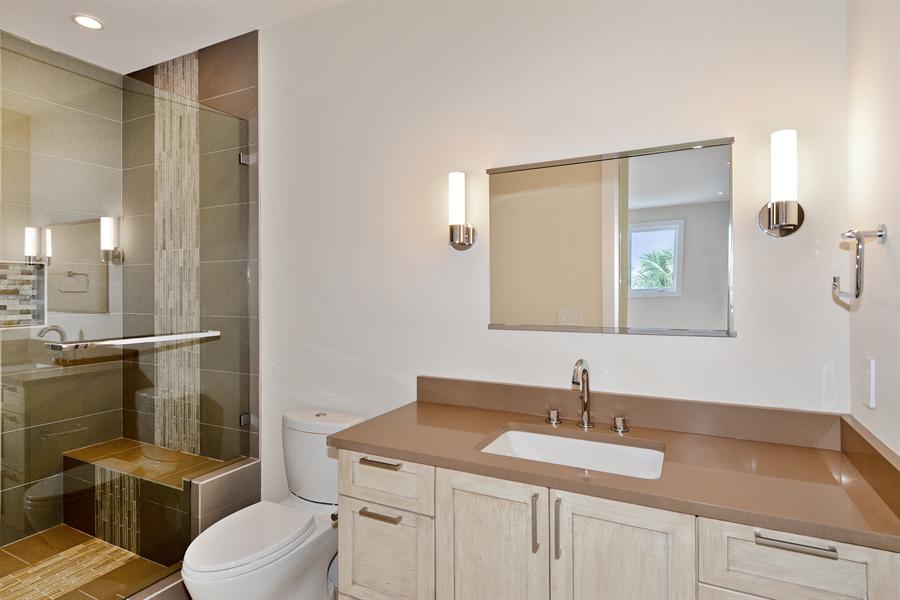 Real Estate Photography - 14490 Cypress Island Cir, Palm Beach Gardens, FL, 33410 - 2nd Bathroom
