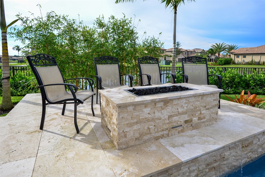 Real Estate Photography - 206 Alcove point lane, Jupiter, FL, 33478 - Back Yard
