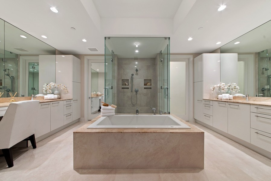 Real Estate Photography - 2102 Water Club Way, North Palm Beach, FL, 33408 - Master Bathroom