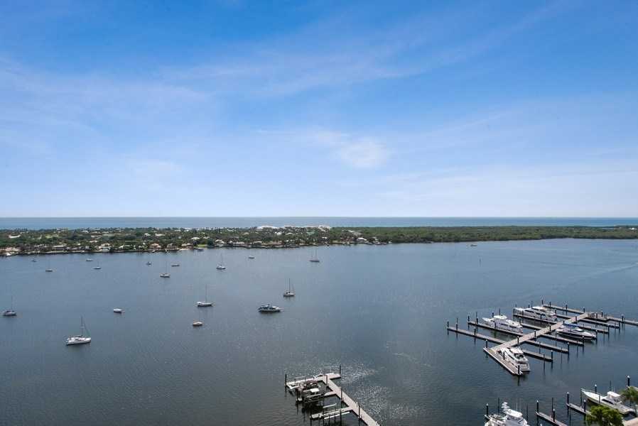 Real Estate Photography - 2102 Water Club Way, North Palm Beach, FL, 33408 - Intracoastal View