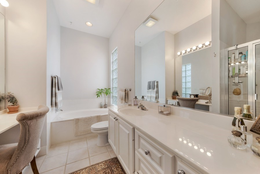 Real Estate Photography - 2733 Kittbuck Way, 403, West Palm Beach, FL, 33411 - Master Bathroom