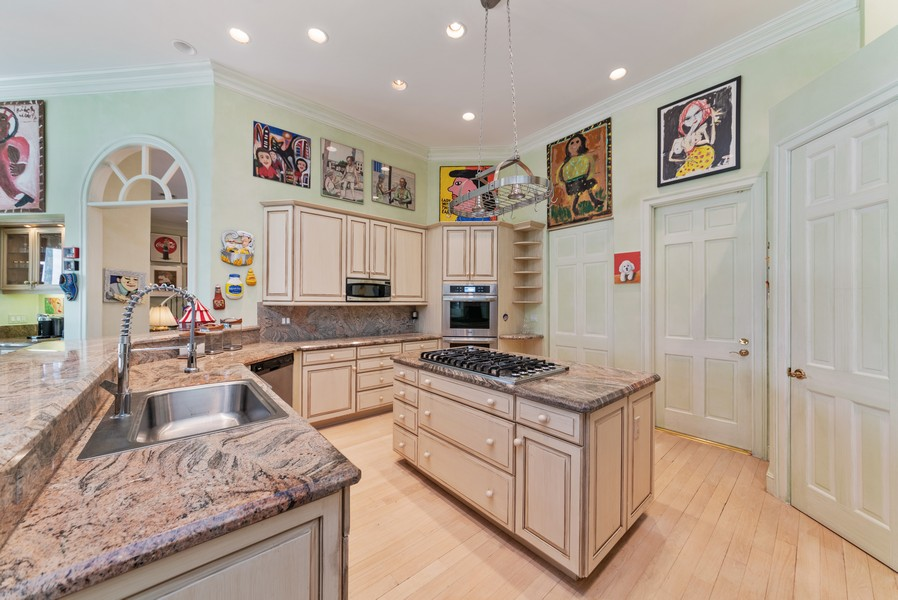 Real Estate Photography - 1314 Breakers West Blvd, West Palm Beach, FL, 33411 - Kitchen