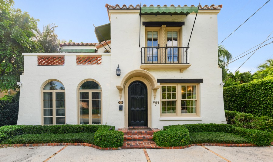 Real Estate Photography - 2415 Aravale Road, West Palm Beach, FL, 33401 - Front View