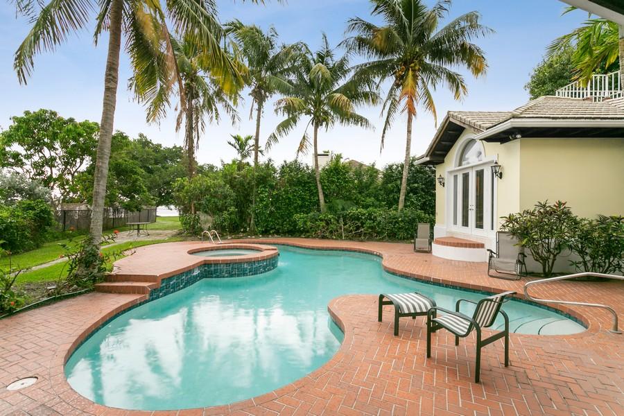 Real Estate Photography - 2 Firestone Cr, West Palm Bch, FL, 33401 -