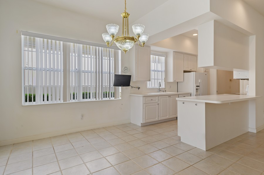 Real Estate Photography - 2741 James River Road, West Palm Beach, FL, 33411 - Kitchen / Dining Room