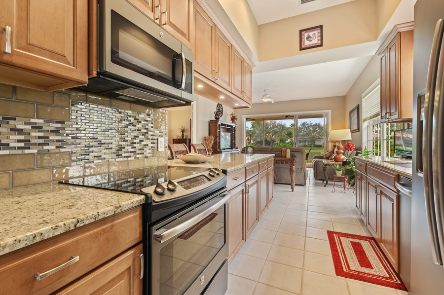 Real Estate Photography - 2746 James River Road, West Palm Beach, FL, 33411 - Kitchen / Living Room