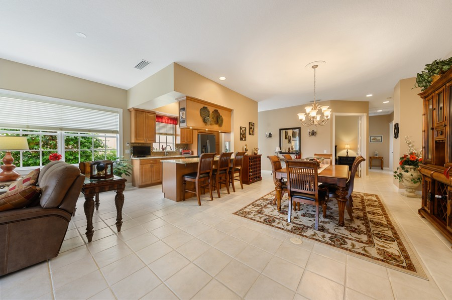 Real Estate Photography - 2746 James River Road, West Palm Beach, FL, 33411 - Kitchen / Dining Room