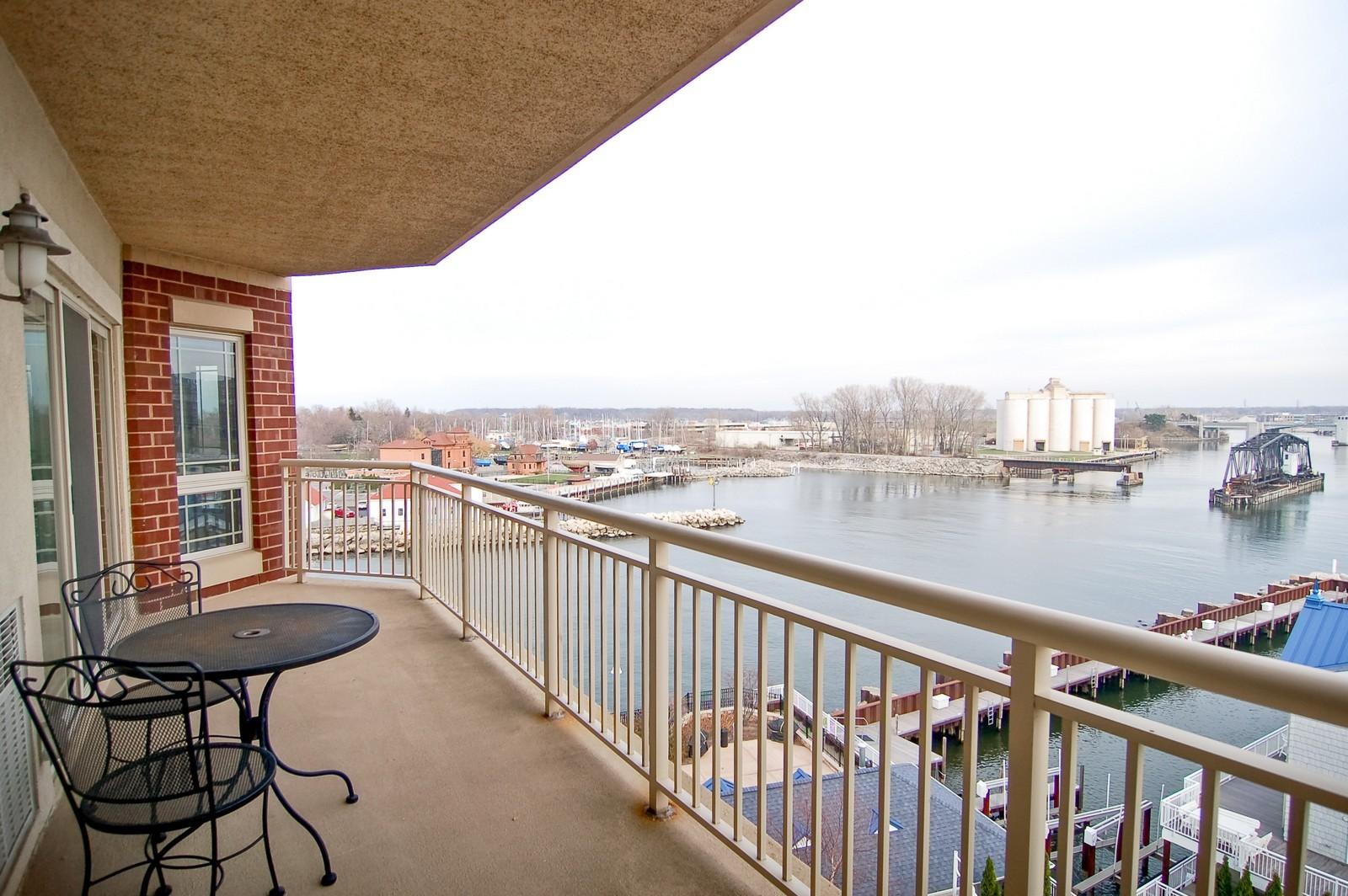 Real Estate Photography - 200- 7B Lake Street, St Joseph, MI, 49085 - Balcony