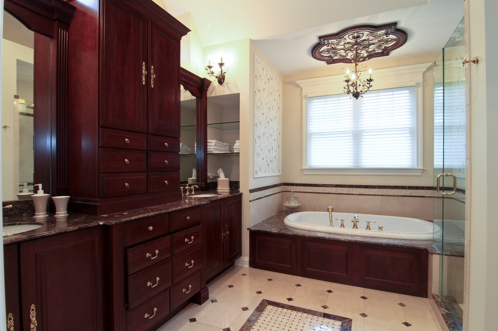 Real Estate Photography - 127 Tuttle, Claredon Hills, IL, 60514 - Master Bathroom