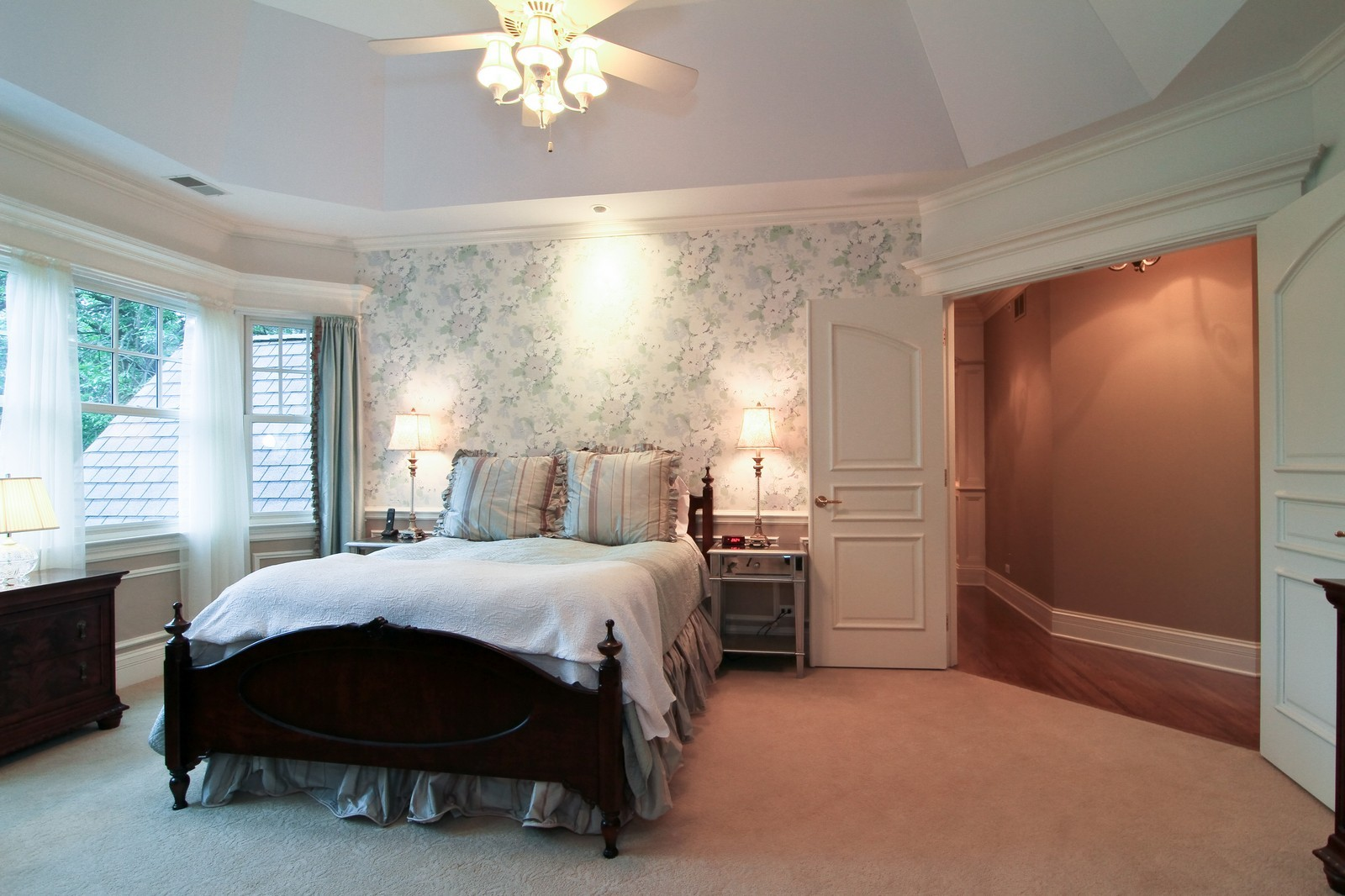 Real Estate Photography - 127 Tuttle, Claredon Hills, IL, 60514 - Master Bedroom
