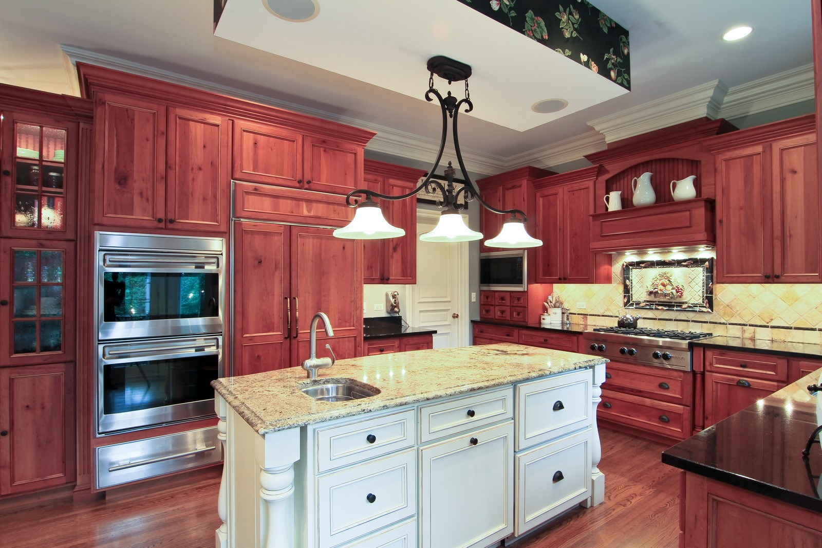 Real Estate Photography - 127 Tuttle, Claredon Hills, IL, 60514 - Kitchen