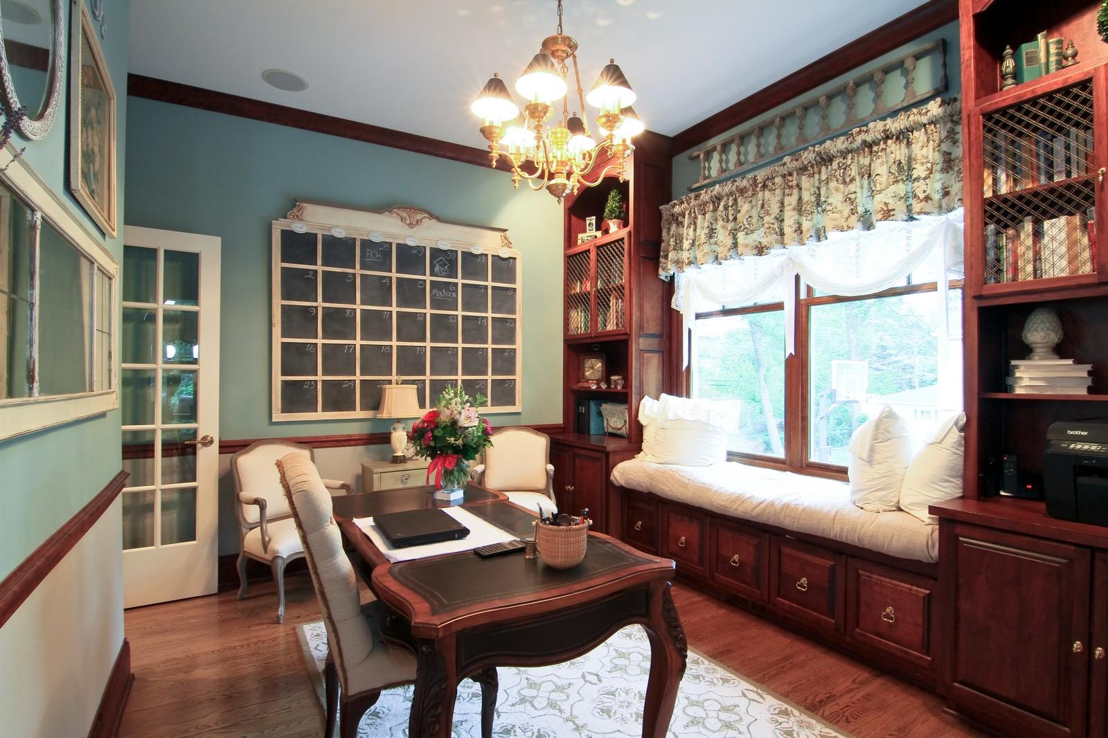 Real Estate Photography - 127 Tuttle, Claredon Hills, IL, 60514 - Den