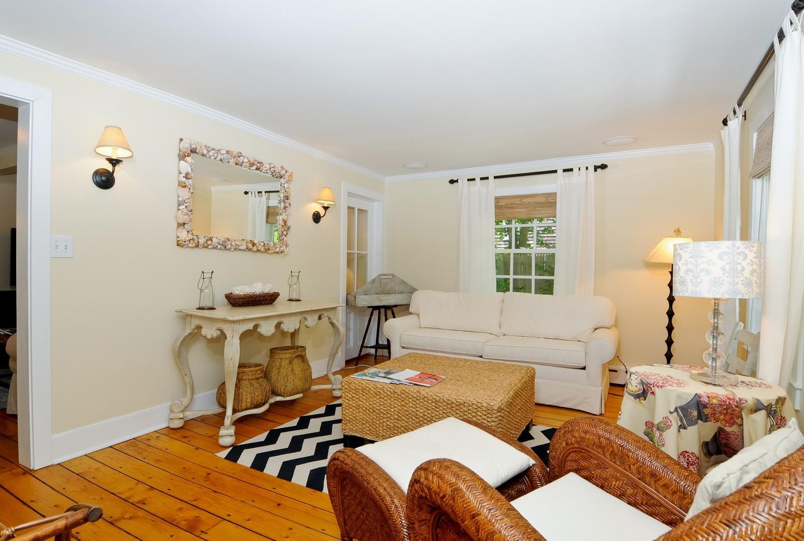 Real Estate Photography   19 Miller Lane, East Hampton, NY, 11937   Living  ...