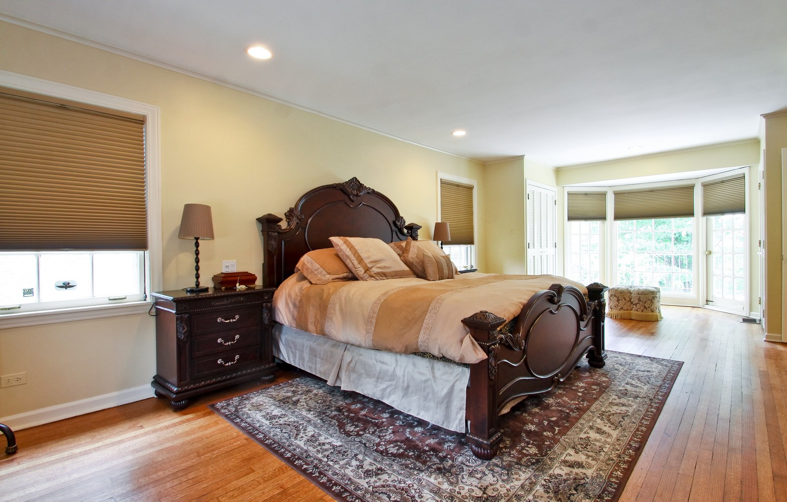 Real Estate Photography - 6750 N Longmeadow Ave, Lincolnwood, IL, 60712 - Master Bedroom