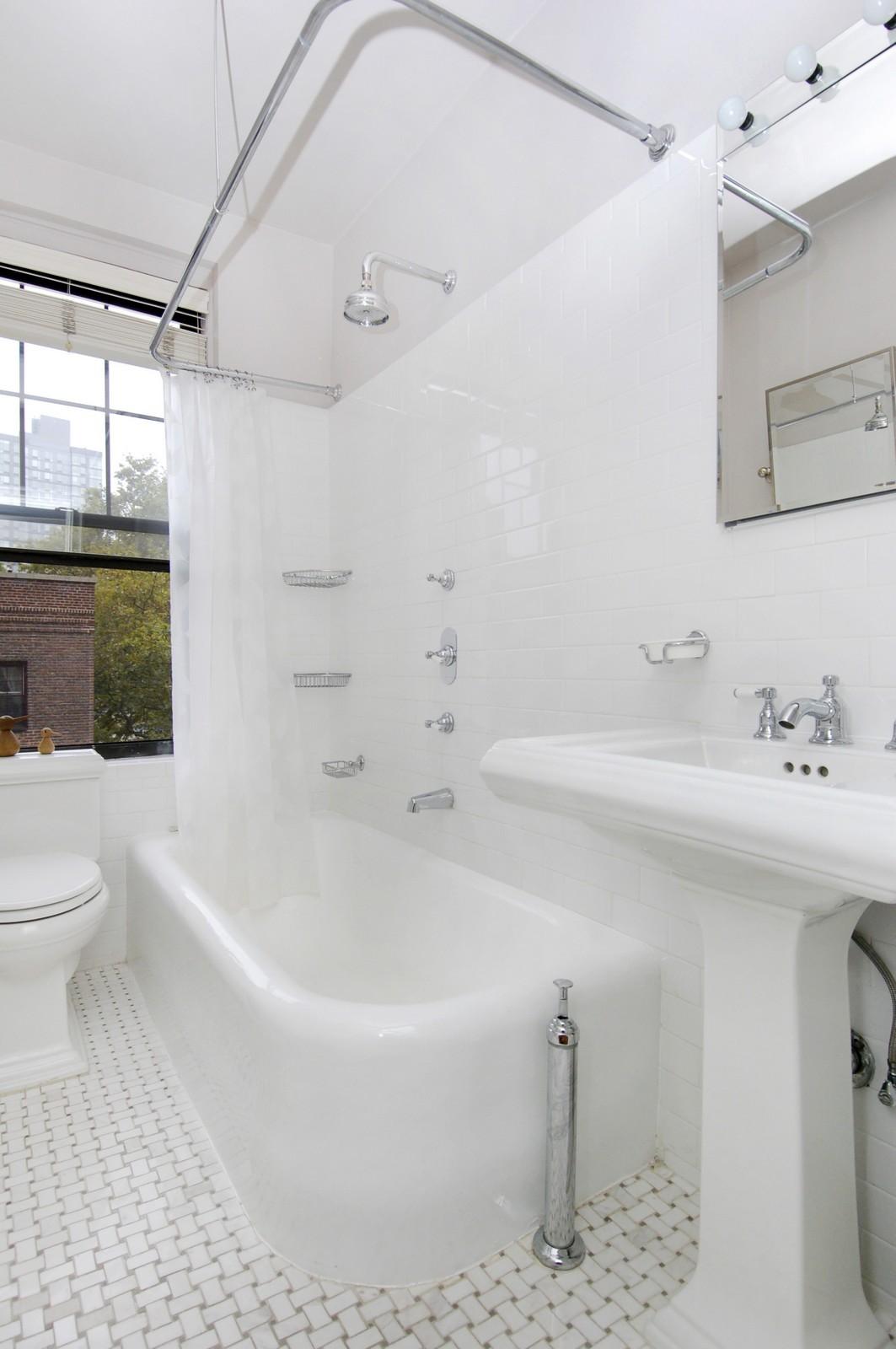 Real Estate Photography - 141 E 3, Apt 4G, New York, NY, 10009 - Bathroom
