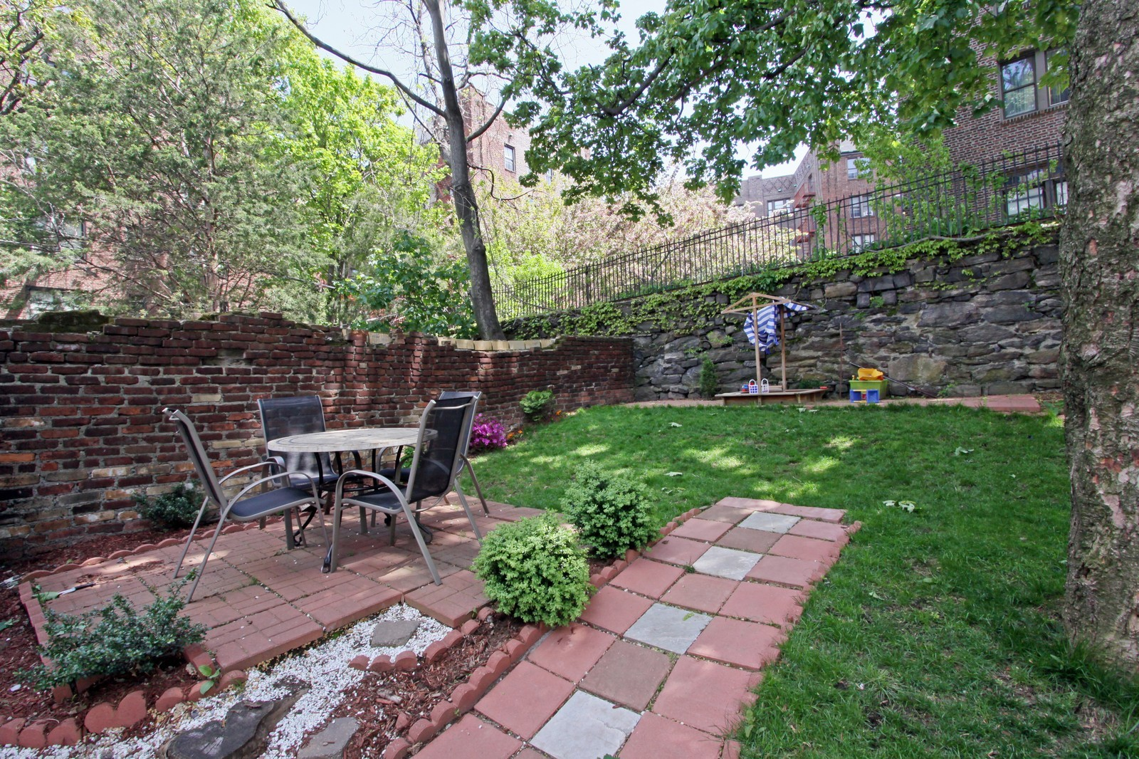 Real Estate Photography - 3488 Cannon Place, NEW YORK, NY, 10463 - Back Yard
