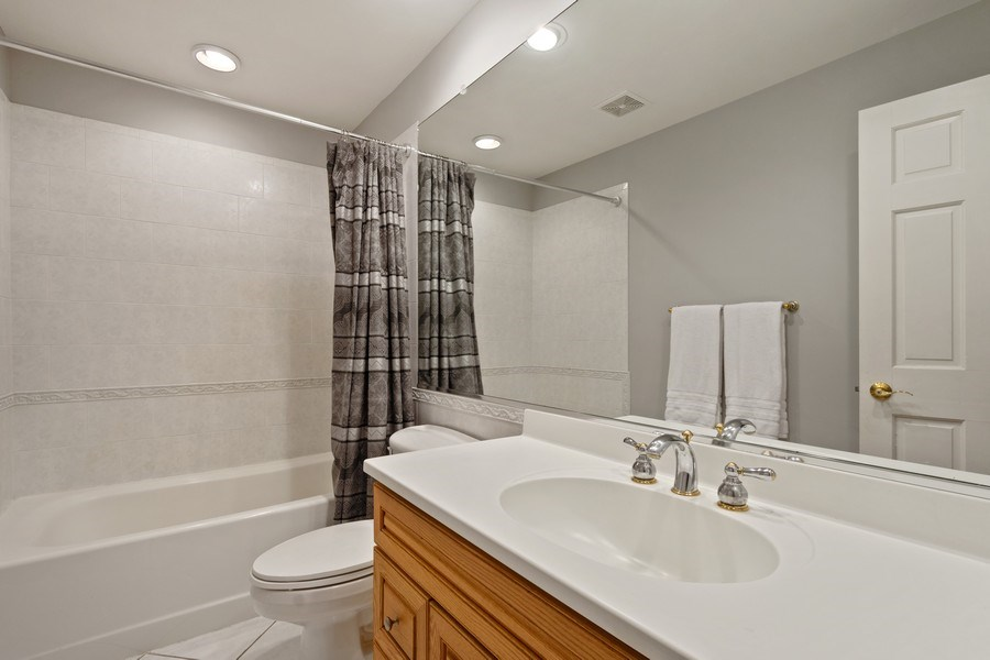 Real Estate Photography - 22023 W. Chestnut Ridge, Kildeer, IL, 60047 - 2nd Bathroom