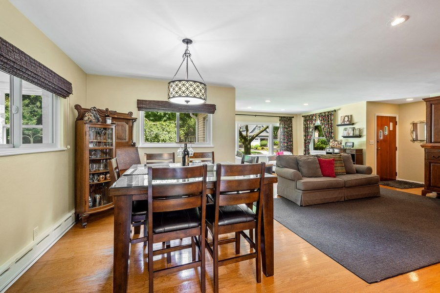 Real Estate Photography - 301 Carter Street, Libertyville, IL, 60048 - Dining Area