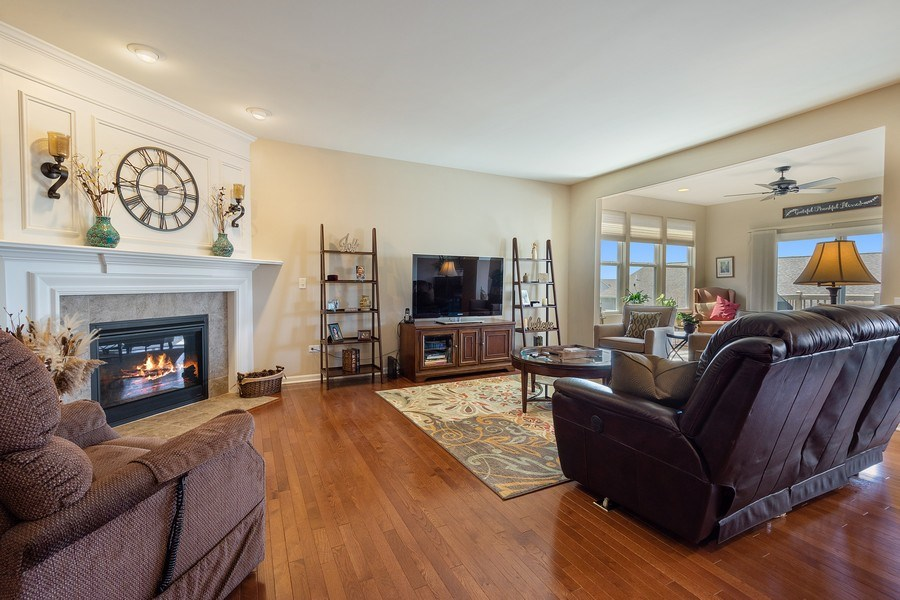 Real Estate Photography - 3440 Rockwell Circle, Mundelein, IL, 60060 - Living Room