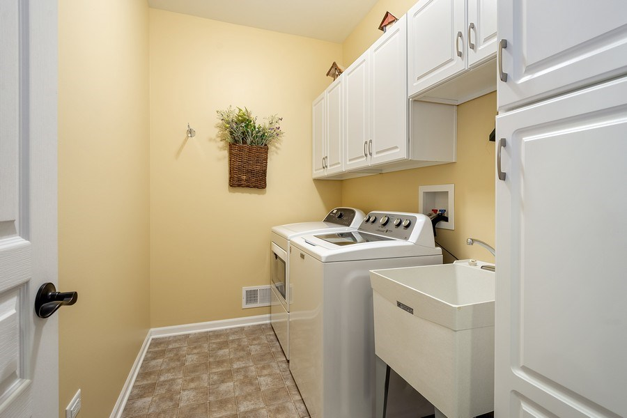 Real Estate Photography - 3440 Rockwell Circle, Mundelein, IL, 60060 - Laundry Room