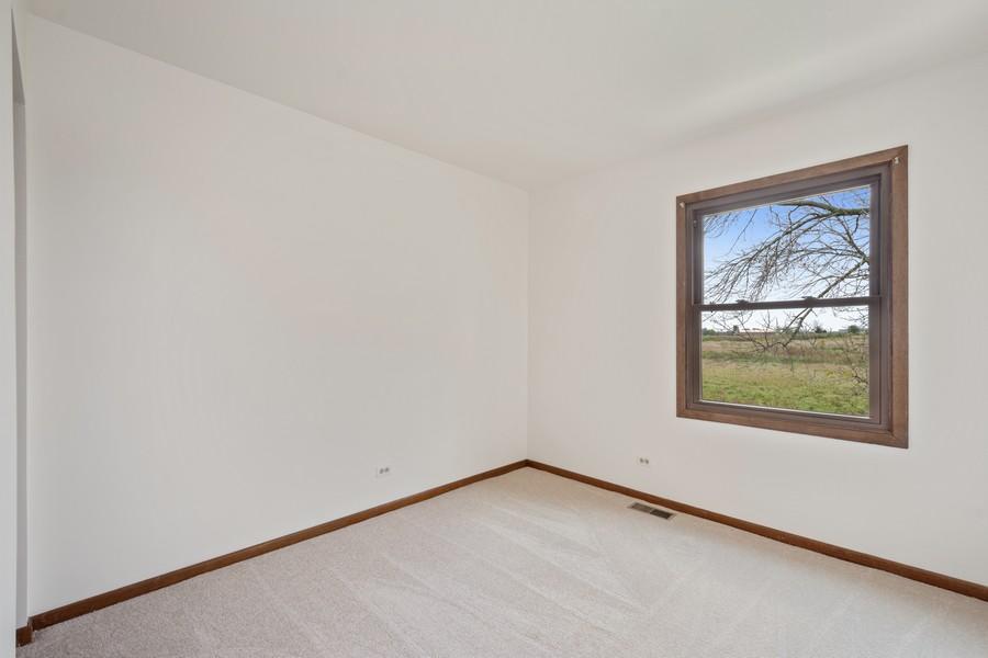 Real Estate Photography - 1869 Burr Ridge Drive, Hoffmann Estates, IL, 60192 - 2nd Bedroom