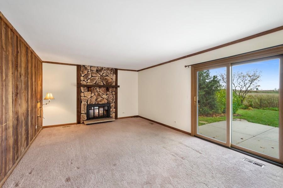 Real Estate Photography - 1869 Burr Ridge Drive, Hoffmann Estates, IL, 60192 - Family Room