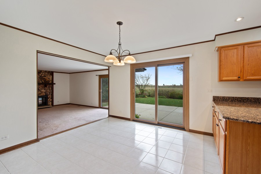 Real Estate Photography - 1869 Burr Ridge Drive, Hoffmann Estates, IL, 60192 - Breakfast Area