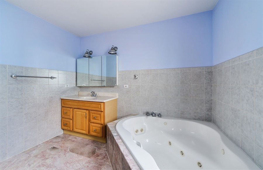 Real Estate Photography - 2930 N Rockwell St, Chicago, IL, 60618 - Master Bathroom