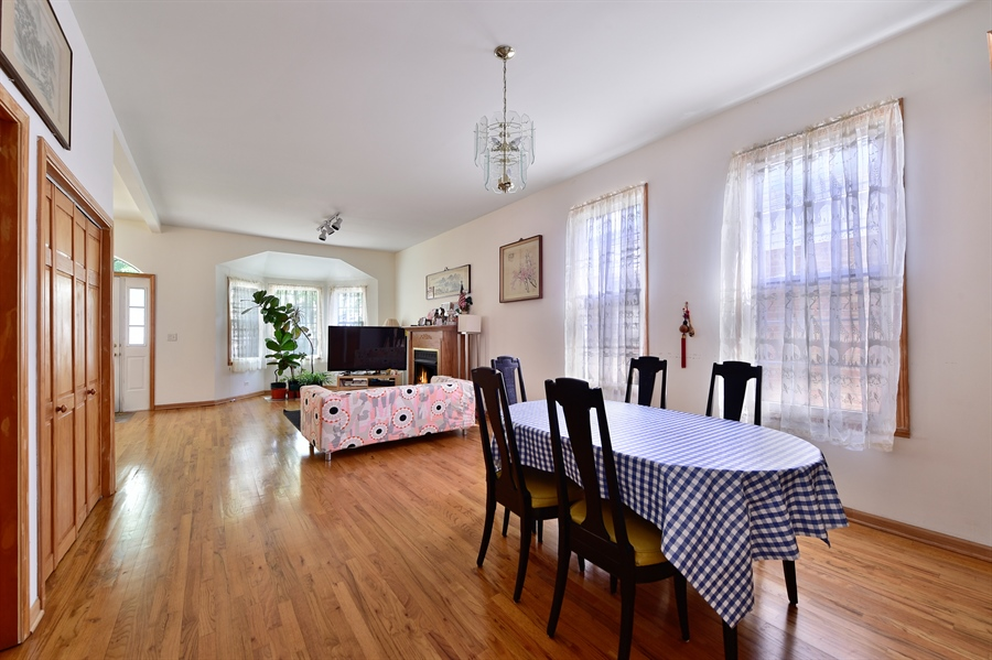 Real Estate Photography - 2930 N Rockwell St, Chicago, IL, 60618 - Dining Room
