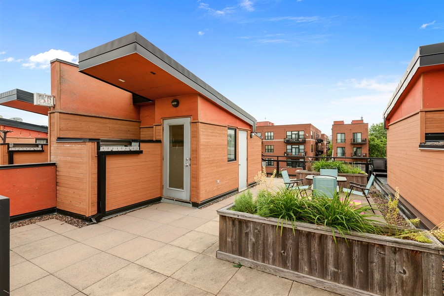 Real Estate Photography - 2225 W Madison, 7, Chicago, IL, 60612 - Roof Deck
