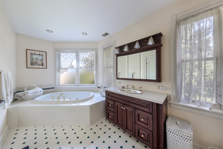 Real Estate Photography - 5324 Turvey, Downers Grove, IL, 60515 - Master Bathroom