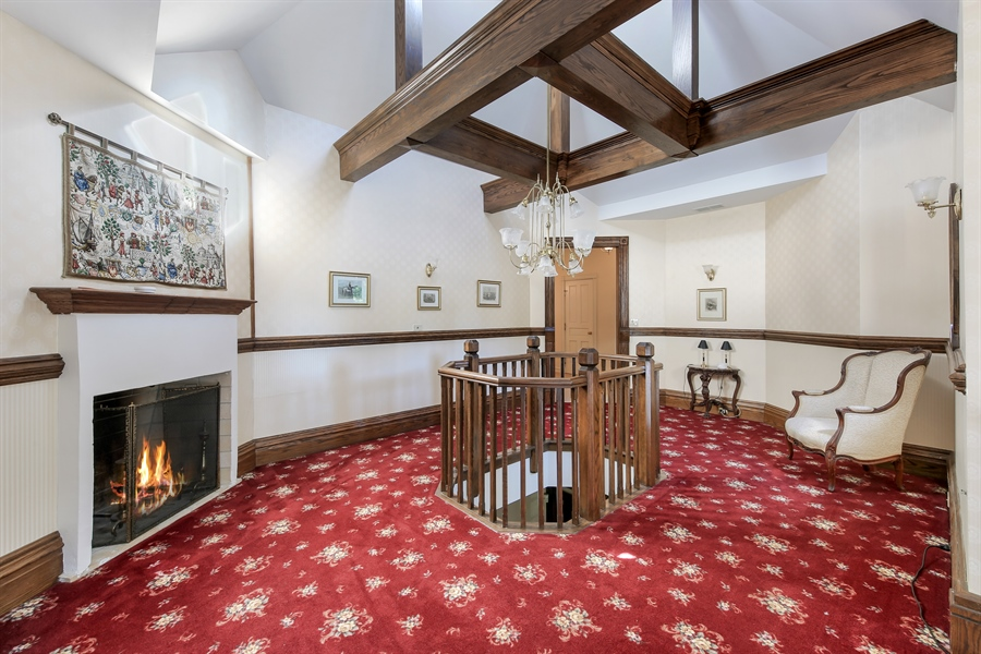 Real Estate Photography - 5324 Turvey, Downers Grove, IL, 60515 - 2nd Floor Corridor