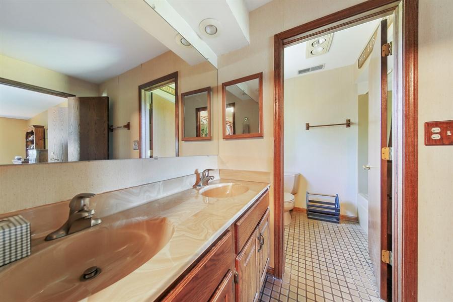 Real Estate Photography - 13530 Arctic Lane, Lemont, IL, 60439 - Master Bathroom