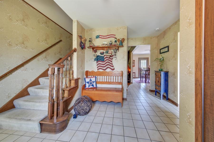 Real Estate Photography - 13530 Arctic Lane, Lemont, IL, 60439 - Foyer