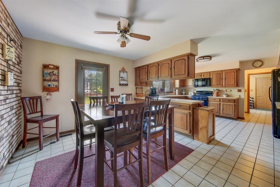 Real Estate Photography - 13530 Arctic Lane, Lemont, IL, 60439 - Breakfast Area