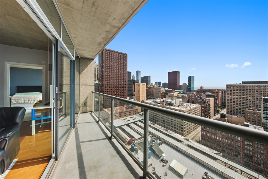 Real Estate Photography - 611 S Wells Street, 2609, chicago, IL, 60607 - Balcony