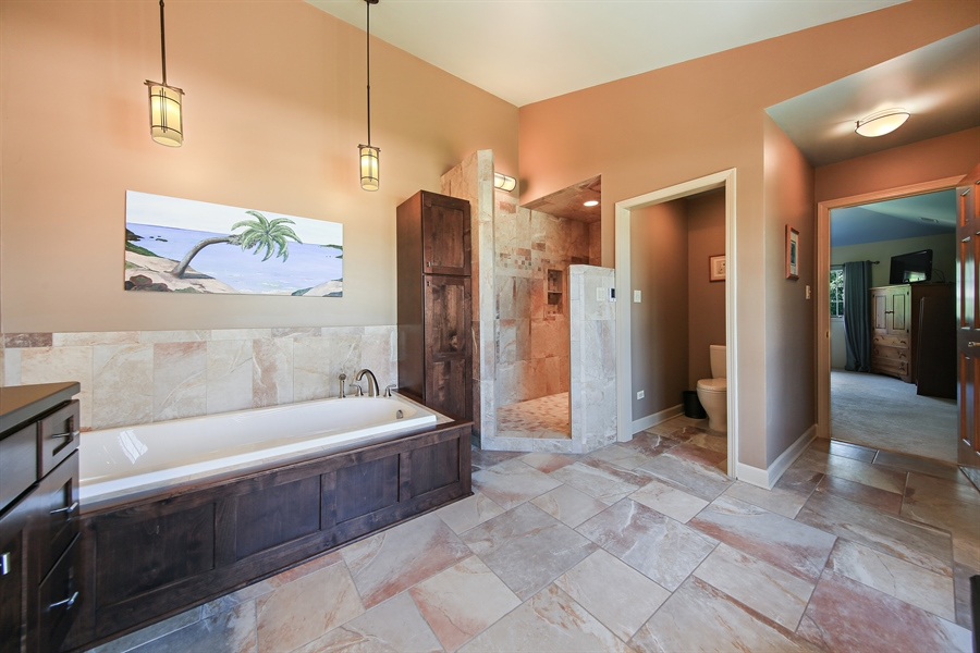 Real Estate Photography - 13130 Fox Hill Drive, Lemont, IL, 60439 - Master Bathroom