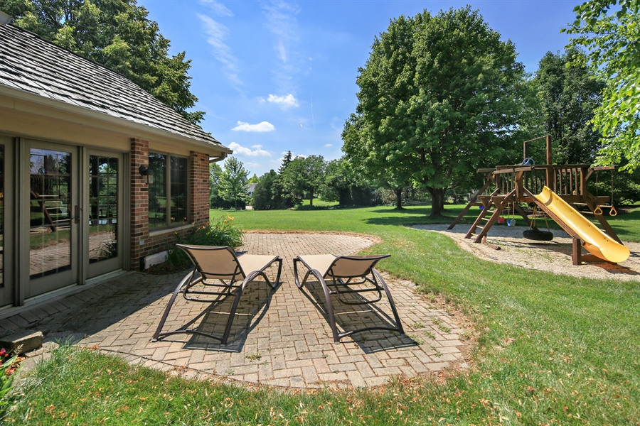 Real Estate Photography - 13130 Fox Hill Drive, Lemont, IL, 60439 - Back Yard