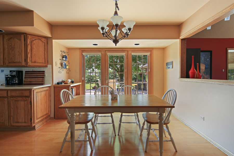 Real Estate Photography - 13130 Fox Hill Drive, Lemont, IL, 60439 - Breakfast Area