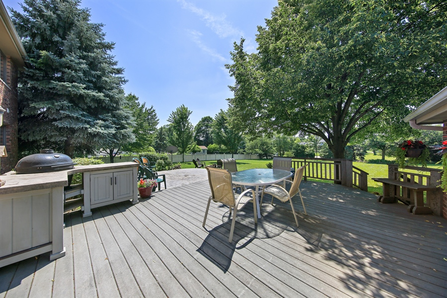 Real Estate Photography - 13130 Fox Hill Drive, Lemont, IL, 60439 - Patio